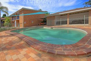 broulee-accommodation-poolside