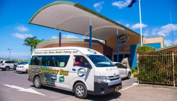 Things-to-do-in-Batemans-Bay-Tomakin-Club-bus-600